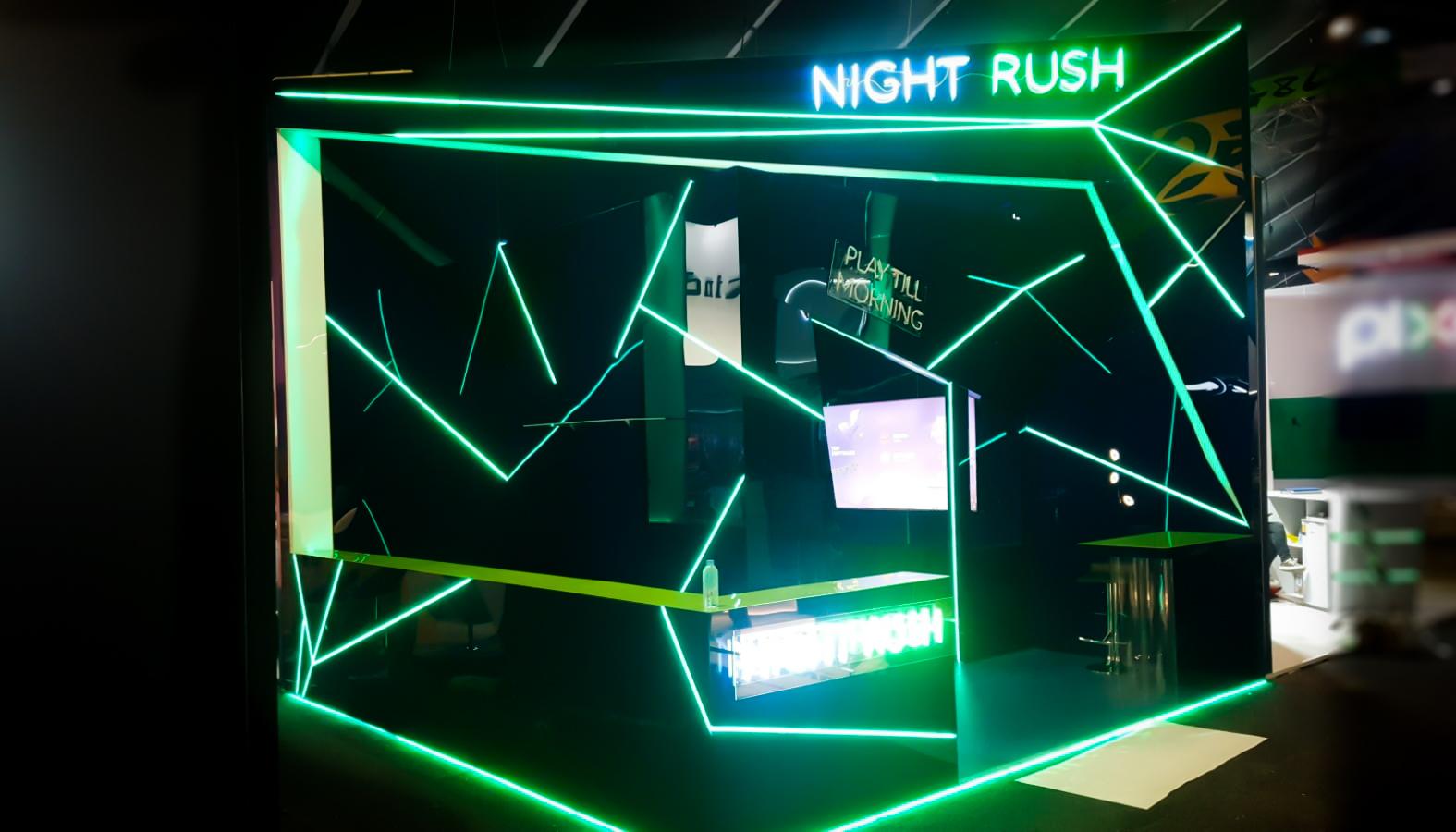 Stand Night Rush