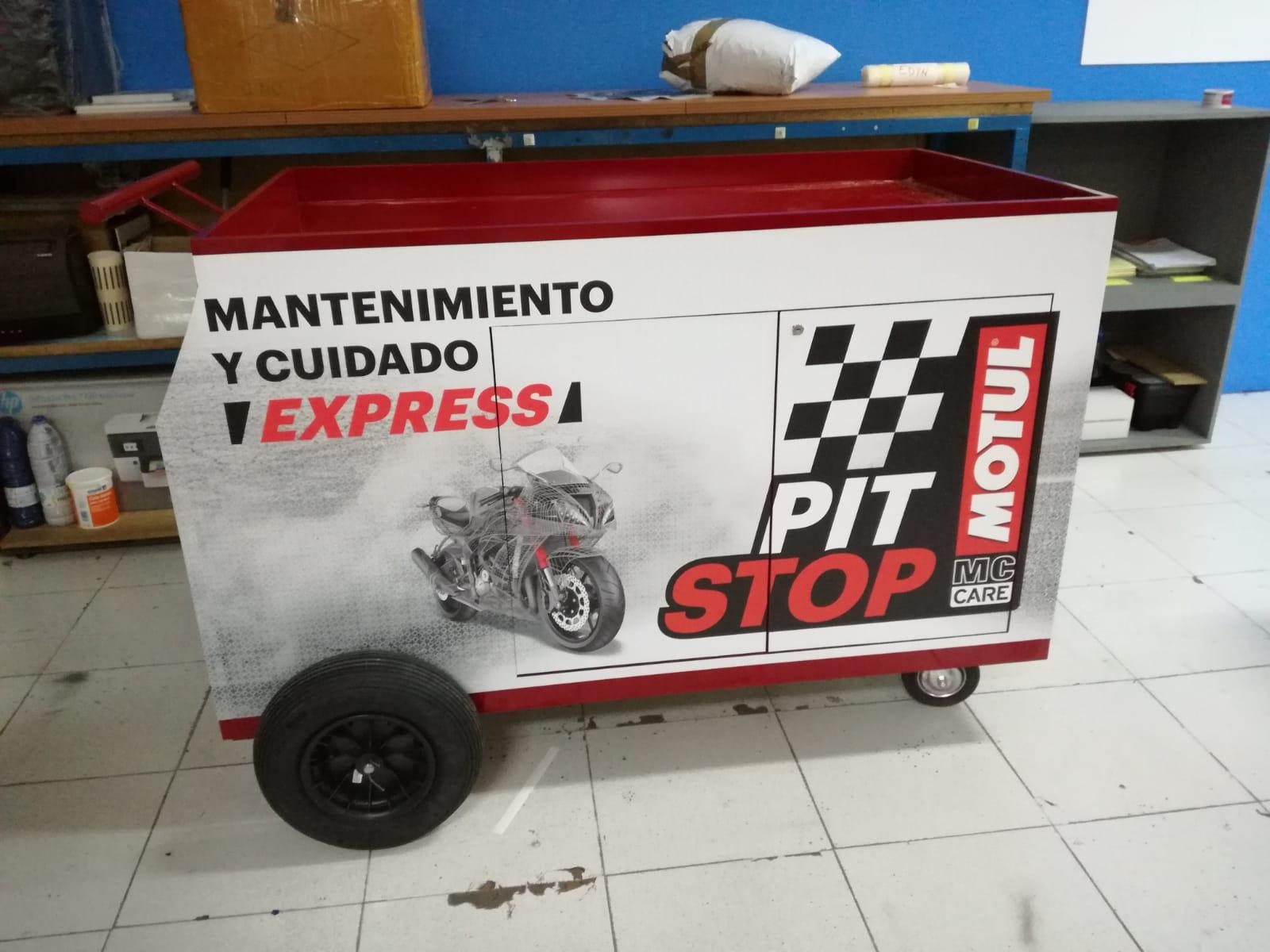 Fabricación de carritos MOTUL para GP Valencia